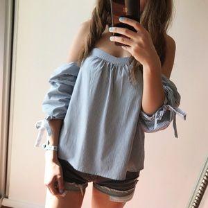 ❤️Blue & white striped blouse size S